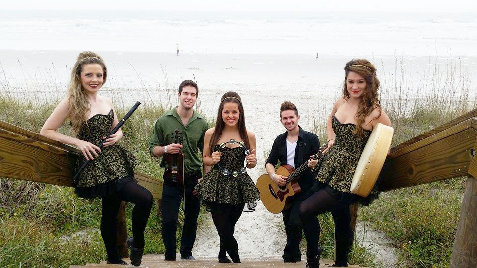 Irish dance and traditional music by Irish Echoes at Celtic Festival