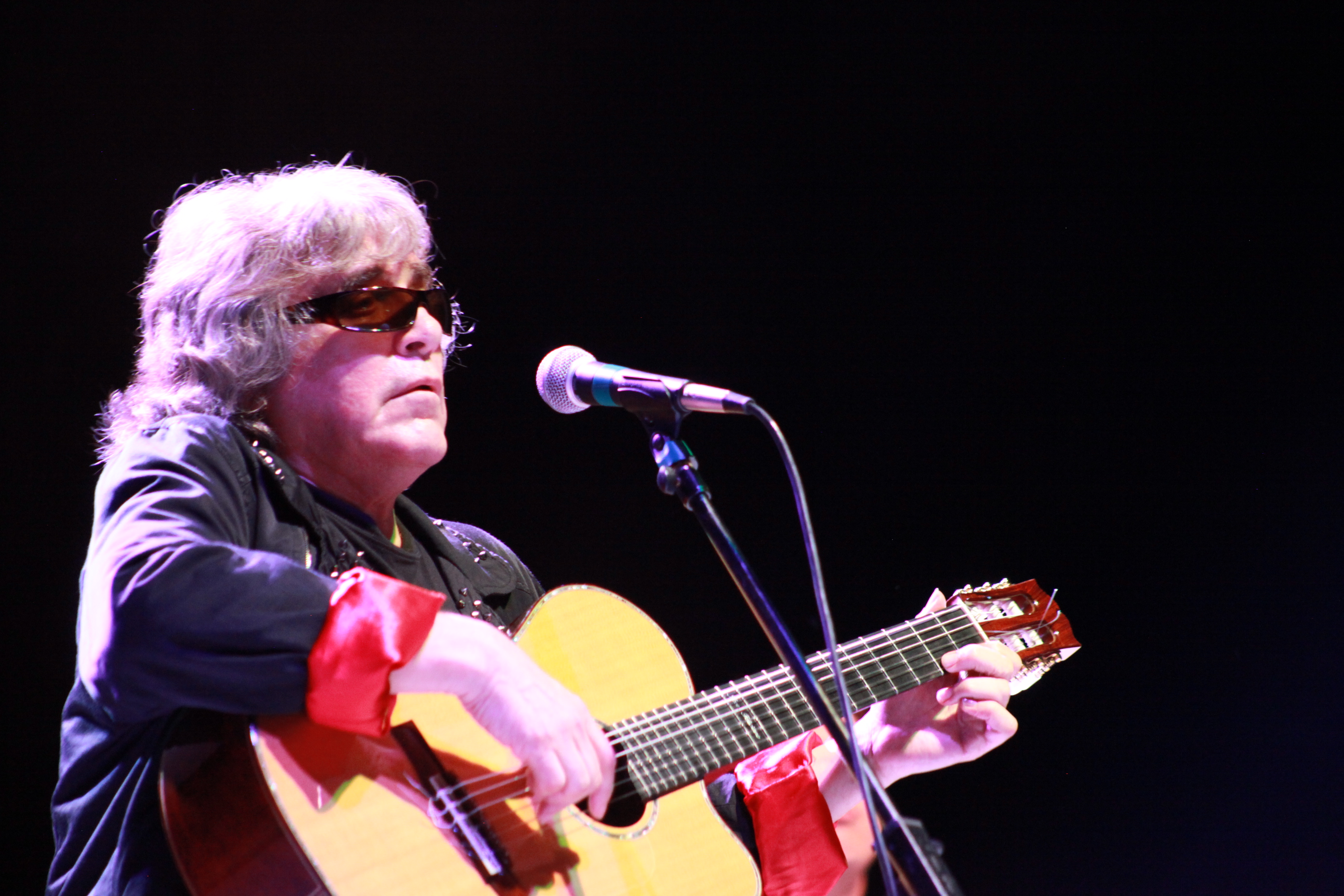 Jose Feliciano performs on May 8 at the St. Augustine Amphitheatre. Photos by Renee Unsworth