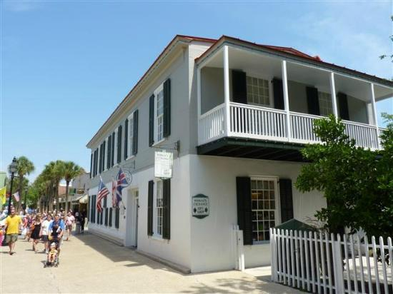 Peña-Peck House & Fountain of Youth on Travel Channel show airing May 25