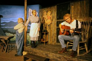 Nov. 30-Dec. 23: Foxfire at Limelight celebrates Appalachian culture & traditions